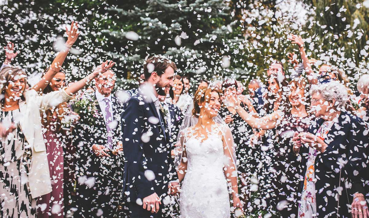 Bride and Groom confetti throw